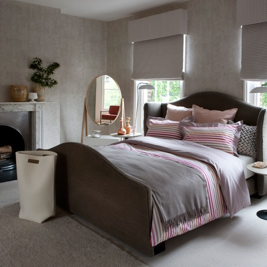 Pink and grey bedroom decorating ideas traditional for Bedroom ideas grey