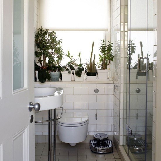 Bathroom decorating ideas Tiny bathroom designs uk