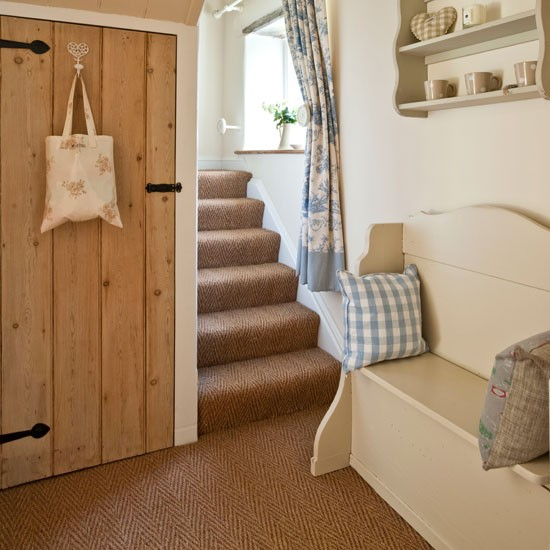 Provide a comfy seat | Country hallway ideas - 10 of the best | Hallway | PHOTO GALLERY | Country Homes and Interiors | Housetohome