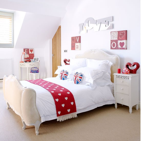 choose red accessories country bedroom ideas