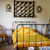 Retro guest bedroom