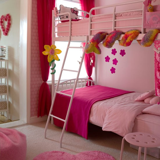 Pink girls bedroom for Girly bedroom ideas