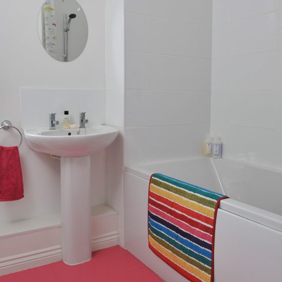 Pink rubber floor family bathroom ideas for Rubber flooring bathroom ideas