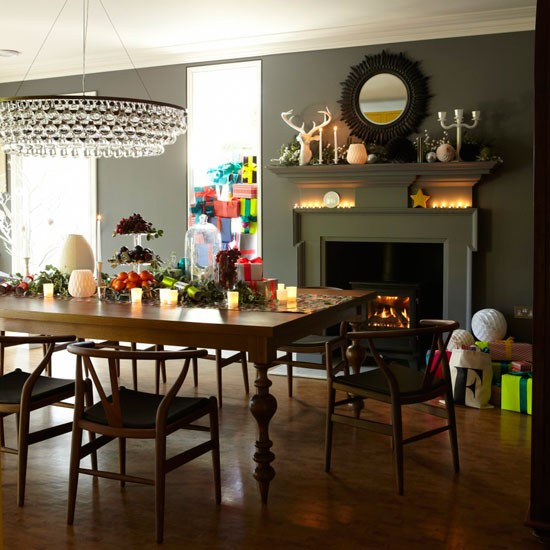 Dining room step inside a festive victorian home in kent for Dining room designs uk