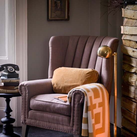 Traditional living room with armchair for Traditional armchairs for living room