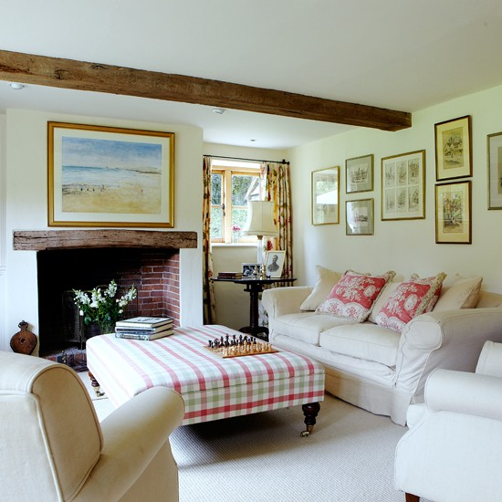 Traditional living room | Family living room ideas - 10 of the best | Living room | PHOTO GALLERY | Country Homes & Interiors | Housetohome.co.uk