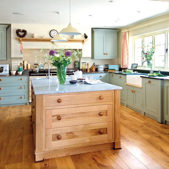 Country Kitchen Look: Shaker-style Country Kitchen