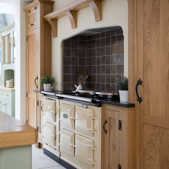 Cooking area   Take a tour around a painted country-style kitchen   PHOTO GALLERY   Beautiful Kitchens   Housetohome