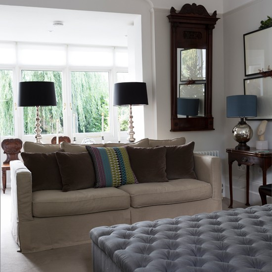 Traditional neutral living room for Traditional living room ideas uk