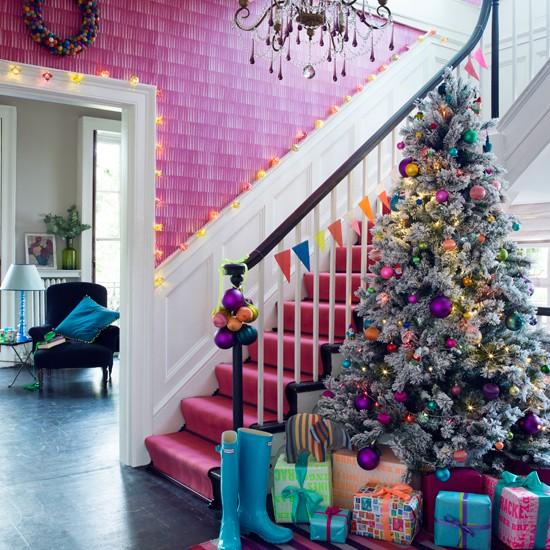 Vibrant pink festive hallway | Modern decorating ideas | Homes & Gardens | Housetohome.co.uk