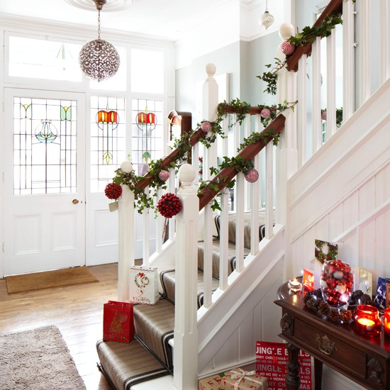 White Christmas hallway | Traditional Christmas decorating ideas | Ideal Home | Housetohome.co.uk