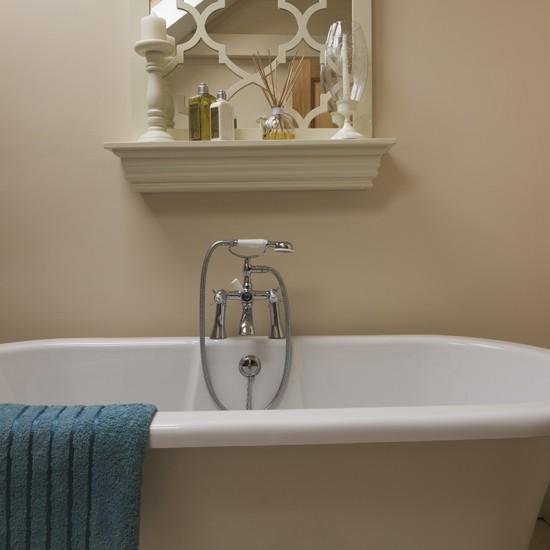 Cream bathroom with roll top bath for Roll top bathroom ideas