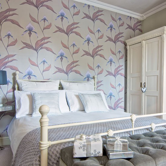 Bold Wallpapered Bedroom Wow Wallpaper 10 Decorating