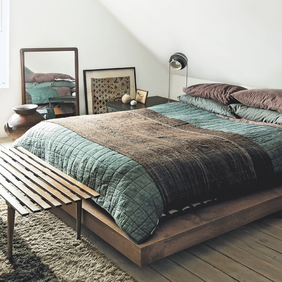 Bedroom Ideas Low Bed New York Apartment Bedroom Bedroom Zen Design Interior Design Bedroom Traditional Indian: Modern White Bedroom With Low Wooden Bed