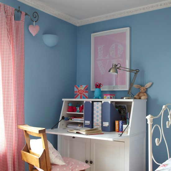 Pretty blue, red and white girl's bedroom