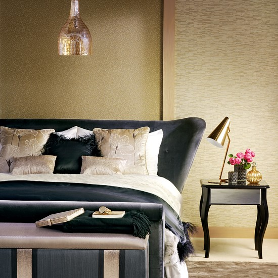 Opulent gold and black bedroom - Gold bedroom ideas ...