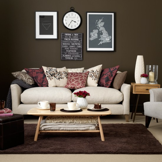 Chocolate and cream living room for Cream living room designs