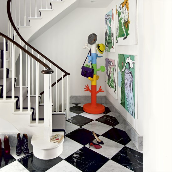Take a tour around a north london home filled with for Carrelage cabochon