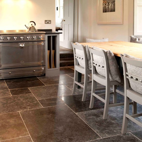 Kitchen flooring ideas 10 of the best for Pictures of floor tiles for kitchens