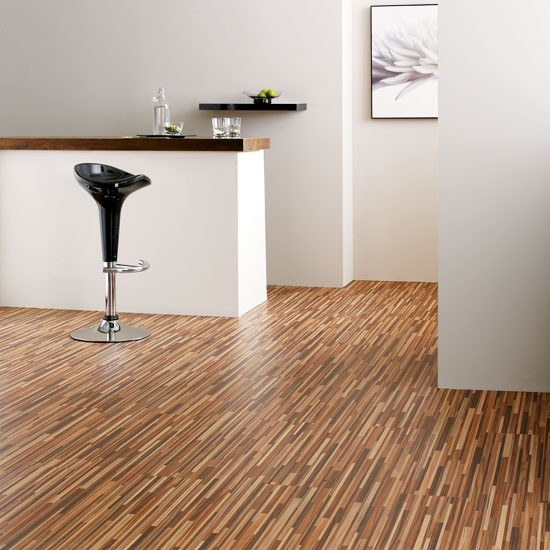 Laminate flooring kitchen flooring ideas for Kitchen flooring ideas uk
