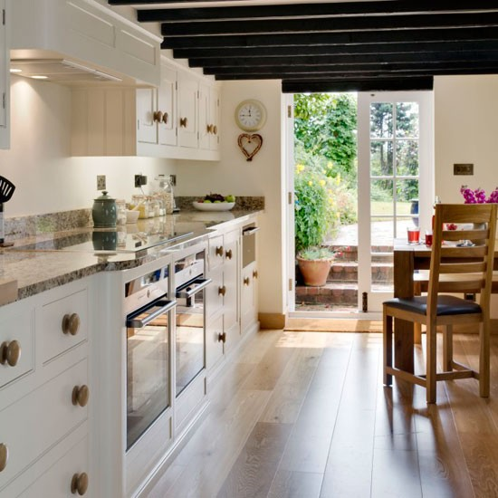 Small galley kitchen with dining area designs uk best for Farm style kitchen designs