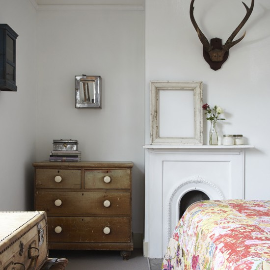 Main bedroom be inspired by this vintage style terraced for Bedroom ideas victorian terrace