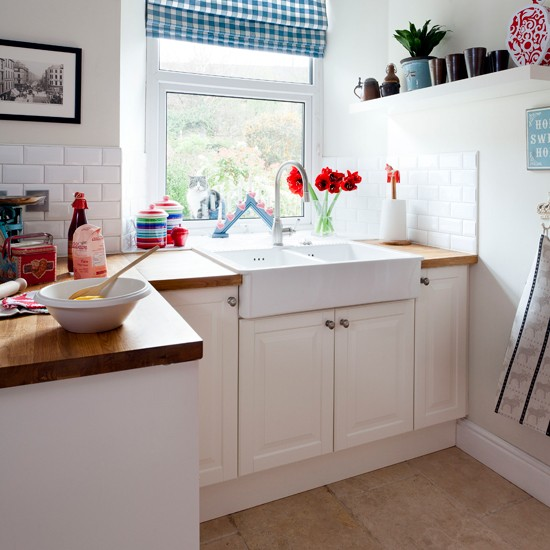 White Country style Kitchen With Butler Sink Housetohomecouk