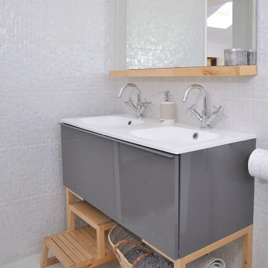 Modern White Bathroom With Vanity Unit Modern Decorating
