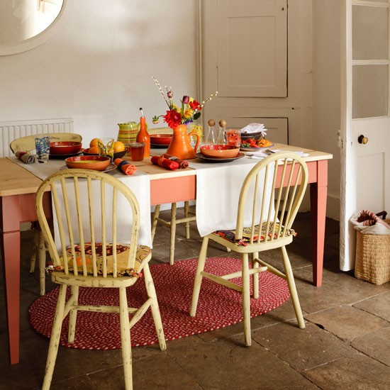 Spice toned dining room
