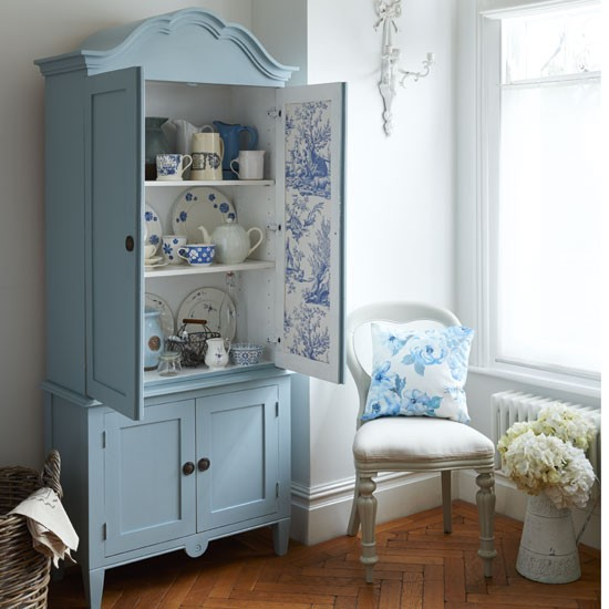 Armoire display | PHOTO GALLERY | Country Homes and Interiors | Housetohome.co.uk