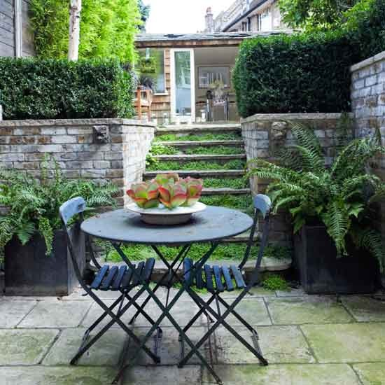 Formal good looks small gardens 10 of the best ideas for Best garden rooms uk