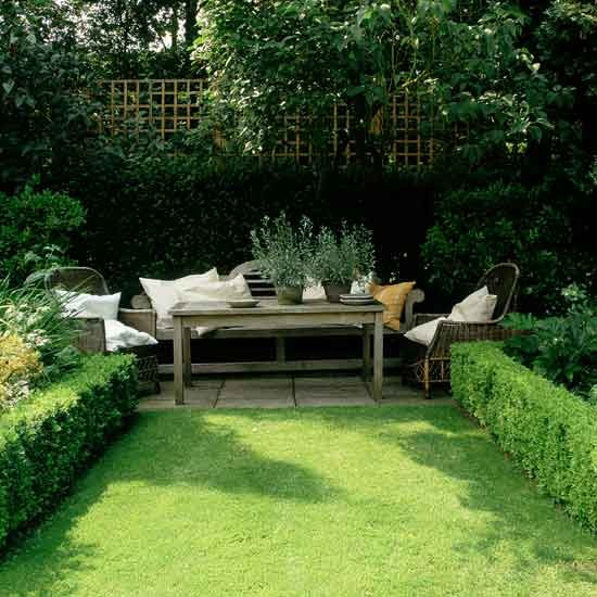 Use hedges to create definition small gardens 10 of for Great small garden ideas