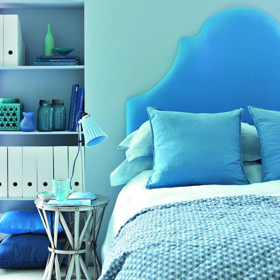 Choose tonal shades for a grown up scheme teenage girls for Grown up bedroom designs