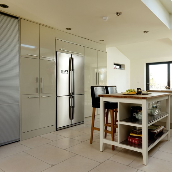 Kitchen Furniture Leeds: Flint Grey High Gloss Kitchen