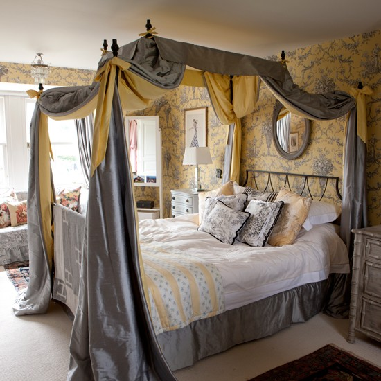 Bed Curtains canopy bed curtains ideas : ... Traditional decorating ideas | 25 Beautiful Homes | Housetohome.co.uk