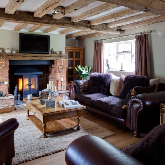 Purple and wood country living room housetohomecouk for Country style living rooms