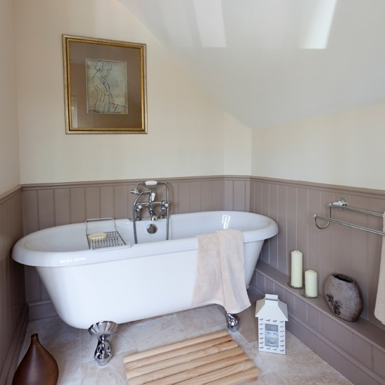 Lilac and cream bathroom for Bathroom ideas using tongue and groove