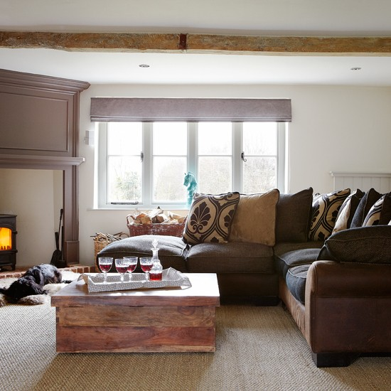 Warm and cosy living room living room decorating for Living room decor ideas uk