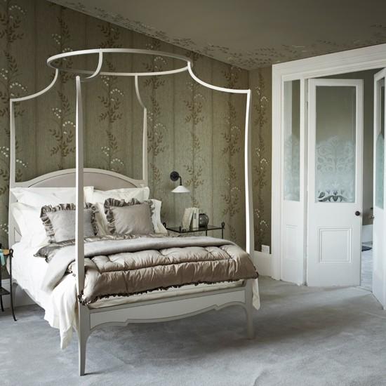 Opulent metallic bedroom bedroom decorating for Opulent bedrooms