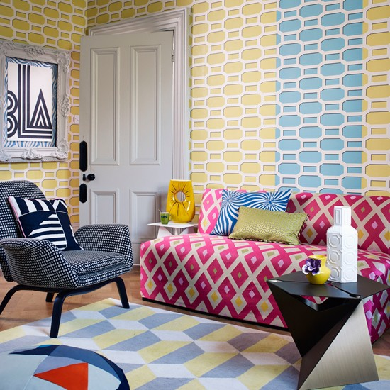Geometric Living Room With Trellis Wallpaper Living Room Decorating