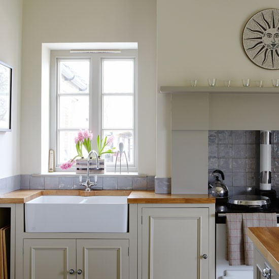 Classic kitchen with butler sink | Kitchen | PHOTO GALLERY | Country Homes and Interiors | Housetohome.co.uk