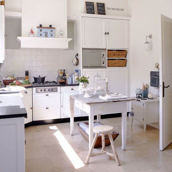 Practical kitchen table