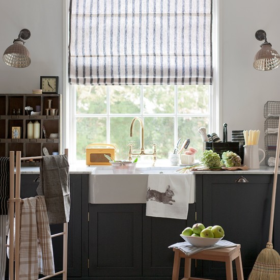 Charcoal grey country style kitchen grey kitchen colour for Grey and white country kitchen