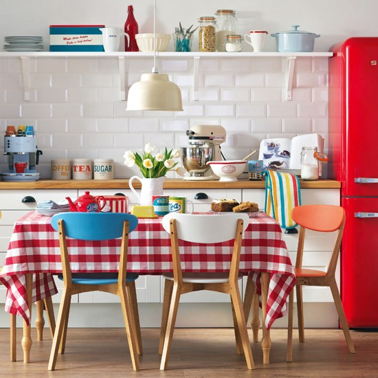 Kitchen Table And Chairs Homebase: Red And White Retro Kitchen