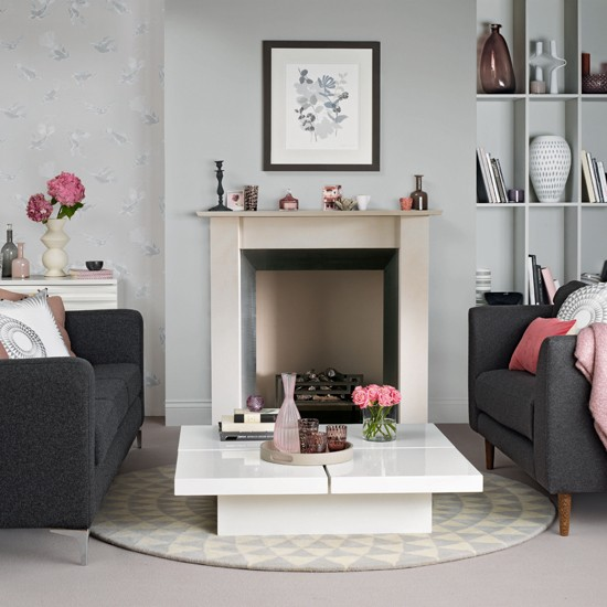 Grey and pink living room for Living room ideas pink and grey