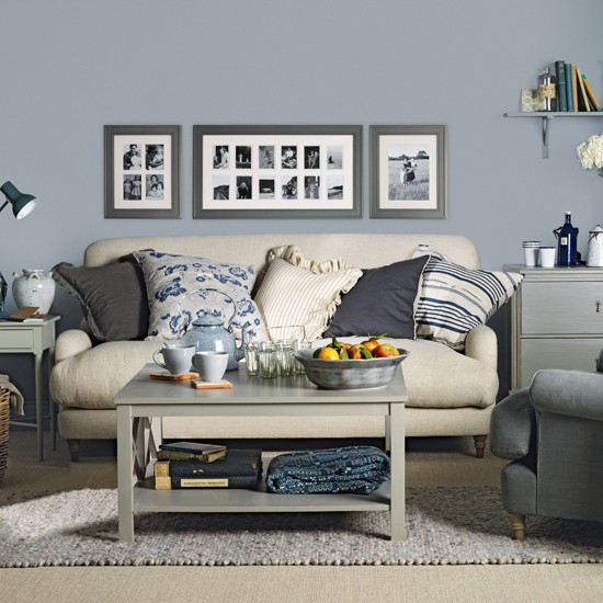 Blue grey living room for Grey living room inspiration