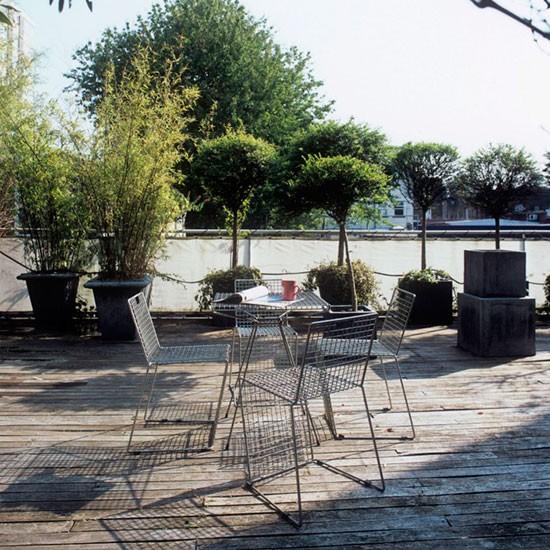 Small contemporary garden patio small garden design for Garden patio designs uk