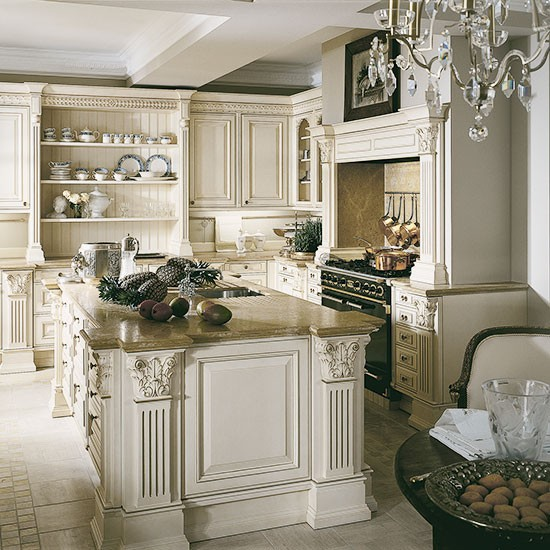 Elegant cream kitchen traditional kitchen design ideas for Beautiful traditional kitchens