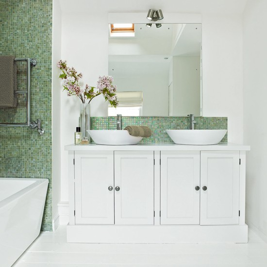 Model Green Bathroom Design Ideas White Wall Tile With White Bathtub And