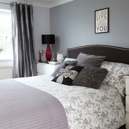 Grey and black bedroom bedroom decorating housetohome for Bedroom ideas grey bed